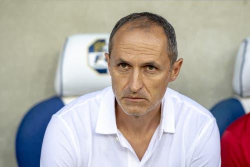 Der FCL-Coach Thomas Häberli mit sorgenvollem Blick. (Bild: KEYSTONE/Urs Flueeler)