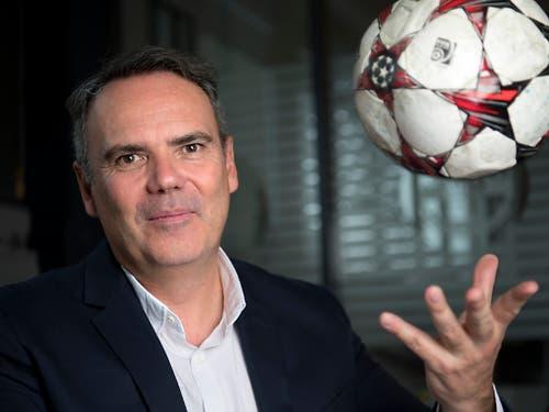 Collet bleibt aber als Vizepräsident der Swiss Football League auch Fussballfunktionär, nachdem er während sechs Jahren (2007 bis 2013) schon den FC Lausanne-Sport präsidierte (Bild: KEYSTONE/LAURENT GILLIERON)