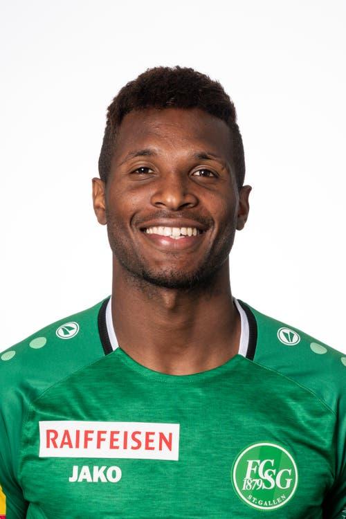 Fabiano Donato Alves, Note: (-) Der Brasilianer kommt in der 83. Minute für Dereck Kutesa. Sieben Minuten reichen, um die Basler zu ärgern. Und Gelb holt sich Fabiano dann auch noch.