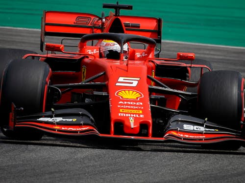 Sebastian Vettel fühlt sich im aktuellen Ferrari nicht wohl (Bild: KEYSTONE/EPA/VALDRIN XHEMAJ)