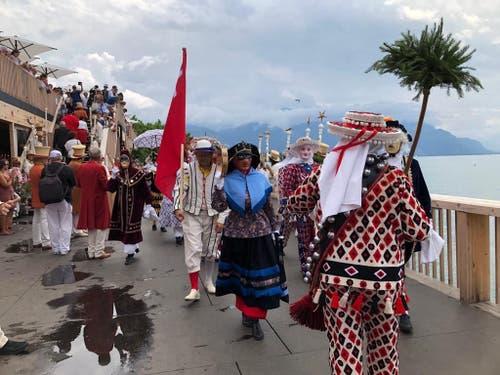 Am Zentralschweizer Tag an der Fête des Vignerons nahmen auch Nüssler aus Schwyz teil. (Bild: Zentralschweizer Regierungskonferenz)