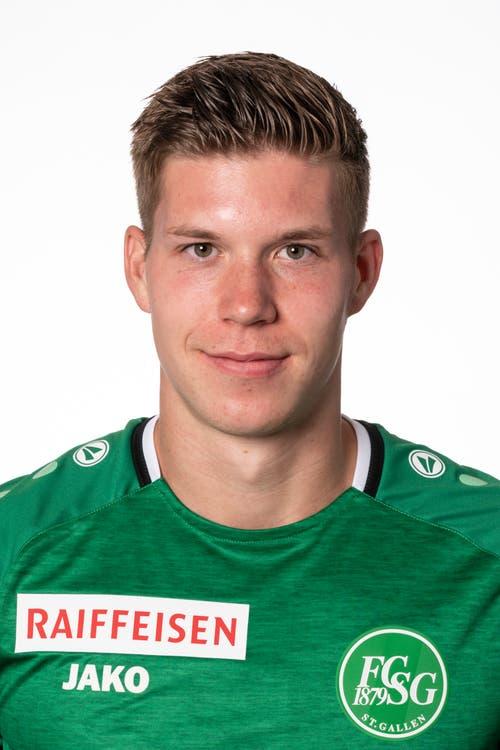 Cedric Itten, Note 6: Es ist sein Abend im St.Jakob-Park. 10 Monate nach seiner schweren Knieverletzung trifft der Basler Stürmer wieder, und das gleich doppelt. Erst schiebt er nach einem Prellball ein, dann behält er am Penalty-Punkt in der Schlussphase die Nerven.