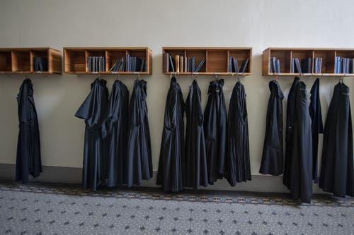Eine Garderobe des Kloster Engelberg. (Bild: Keystone/Urs Flüeler, Engelberg, 17. Juli 2019)