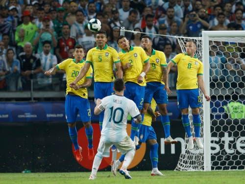 Lionel Messi traf nach der Pause nur die Torumrandung (Bild: KEYSTONE/AP/VICTOR R. CAIVANO)