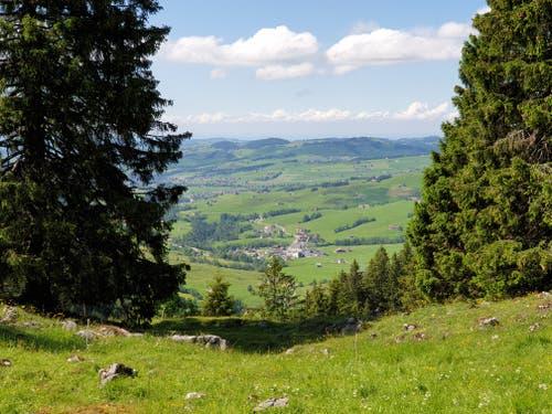 Das Ziel ist fast in Sichtweite: Blick auf Brülisau.