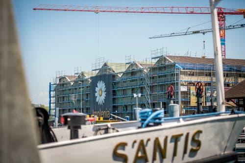 So sieht es momentan rund um das ehemalige Lagerhaus am Hafen aus. (Bild: Reto Martin)