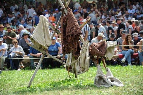 Diese Schwingerhosen wurden zum Trocknen aufgehangen. (Urs Hanhart, Flüelen, 7. Juli 2019)
