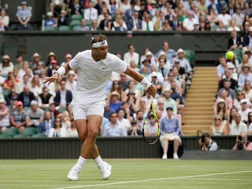 Rafael Nadal vermochte in der ersten Woche in Wimbledon zu überzeugen (Bild: KEYSTONE/AP/TIM IRELAND)