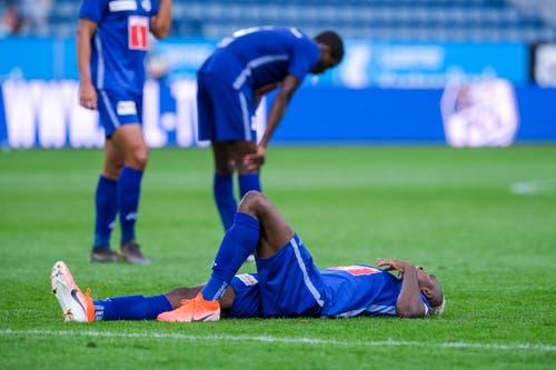 Enttäuschung bei den FCL-Spielern (am Boden Blessing Eleke. (Bild: Martin Meienberger/freshfocus, Luzern, 11. August 2019)