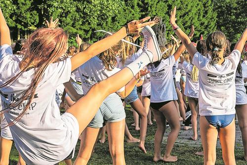 Die über 80 Kinder des mehrsprachigen The Dance Camp. (Bild: Ronny Baumann, The Dance Camp, Willisau, 17. Juli 2019)