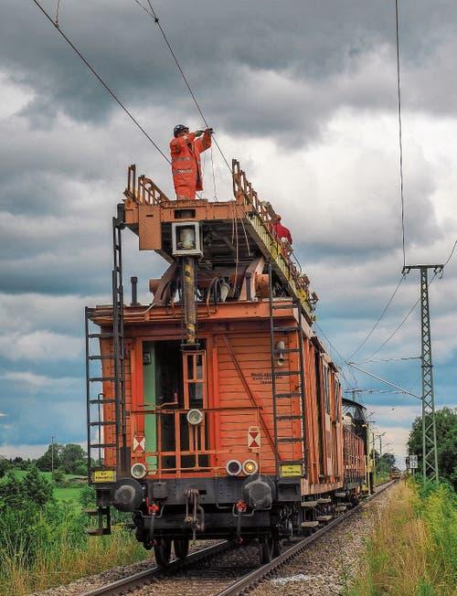 Zwischen Kisslegg und Leutkirch ist die Elektrifizierung in vollem Gange. Bilder: Peter Hummel