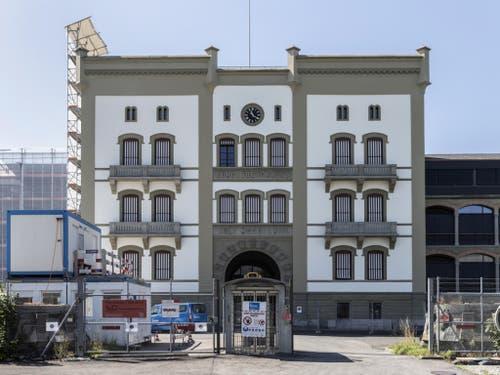 Das bekannteste Gebäude des Waffenplatzes Thun: Die Mannschaftskaserne 1 aus dem Jahr 1866. (Bild: Keystone/PETER KLAUNZER)