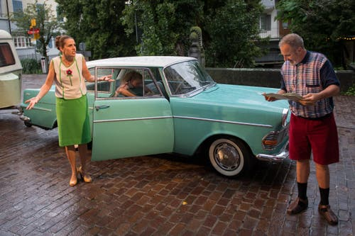 Beim Stück «Autostrada del sole» gerät eine Familie auf dem Weg in den Urlaub aneinander.
