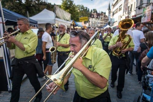 Die Elefanten-Sounders sind eine der Bands, die an der Eröffnung des diesjährigen Stadtfest am Freitagabend für Stimmung sorgen. (Bild: Michel Canonica - 16. August 2019)