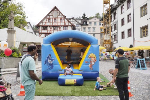 Kinderparadies Gallusplatz. (Bild: Hanspeter Schiess - 17. August 2019)