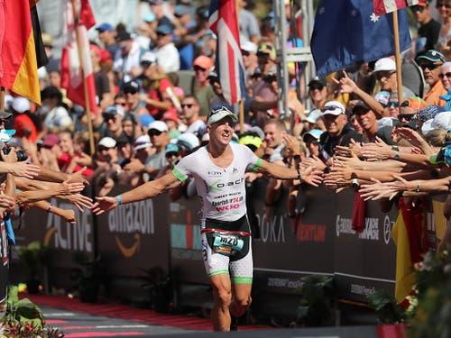 Philipp Koutny imponierte im Vorjahr als Debütant im Profifeld auf Hawaii mit dem 15. Rang (Bild: KEYSTONE/EPA/BRUCE OMORI)