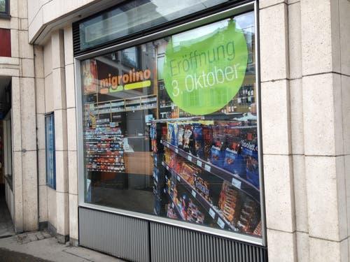 Es geht etwas im leerstehenden Laden im Erdgeschoss der «Union». Der schon 2014 angekündigte Migrolino zieht ein. (Bild: Reto Voneschen - 19. August 2019)