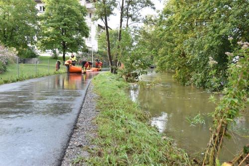 Am Mittwochvormittag hat sich die Hochwasser-Situation etwas entspannt. (Bild: Thomas Schwizer)