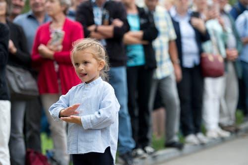 Impressionen des Festumzuges vom Landsgemeindeplatz in die Arena. (Bild: Maria Schmid)