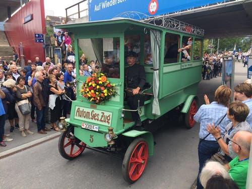 Auch für Orion, den ältesten Autobus Europas, wird's knapp! (Bild: Cornelia Bisch)