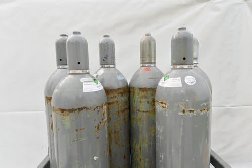Für die Special Effects: Diese Gasflaschen kommen beim Auftritt von Mark Forster zum Einsatz. (Bild: Donato Caspari)