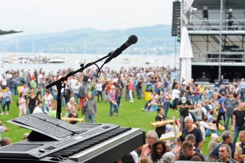 Singen mit Seesicht: Alles bereit für den Auftritt. (Bild: Donato Caspari)