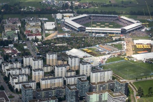 Luftaufnahme der Schwingarena Zug. (KEYSTONE/Alexandra Wey, 24. August 2019)