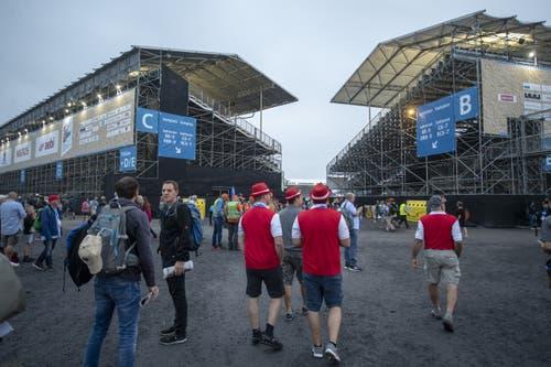 Die Festbesucher vor dem Start in der Arena. (KEYSTONE/Urs Flüeler, 24. August 2019)