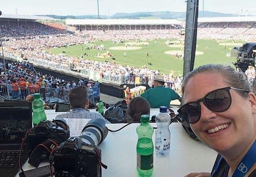 Auf der Medientribüne in der Arena. Bild: Andrea Muff (Zug, 24. August 2019)