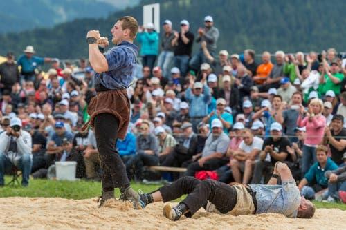 So richtig ging Wickis Stern 2015 auf: Mit damals 18 Jahren gewann der talentierte Sörenberger sein erstes Schwingfest am Schwarzsee. (Bild: Alessandro della Valle/Keystone, Plaffeien, 21. Juni 2015)