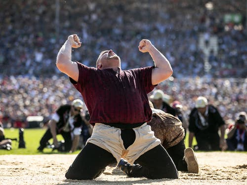 Christian Stucki im Moment des grössten Triumphs. (Bild: KEYSTONE/ALEXANDRA WEY)