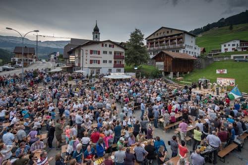 Die Tische sind bestens besetzt (Bild: Pius Amrein, Sörenberg, 27. August 2019)