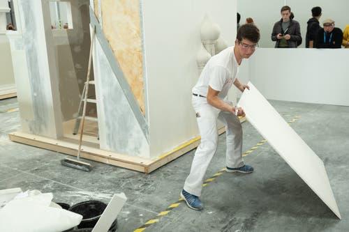 Gipser-Trockenbauer Loris Glauser auf der «Baustelle». (Bild: SwissSkills)