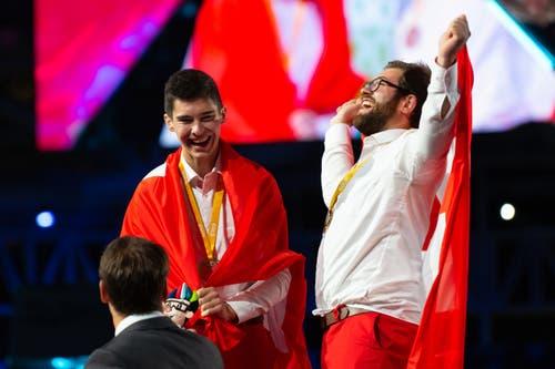 Holt Gold für die Schweiz: Mario Enz (rechts) aus Giswil OW. (Bild: SwissSkills)