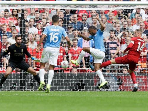 Raheem Sterling bringt Manchester City in der 12. Minute in Führung (Bild: KEYSTONE/AP/KIRSTY WIGGLESWORTH)
