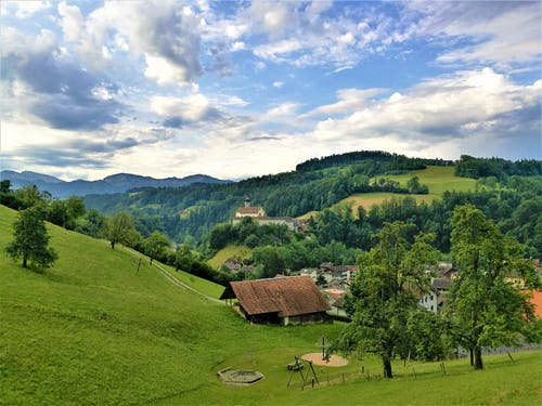 Wunderbare Morgenstimmung über dem Kloster Werthenstein. (Bild: Urs Gutfleisch, 5. August 2019)