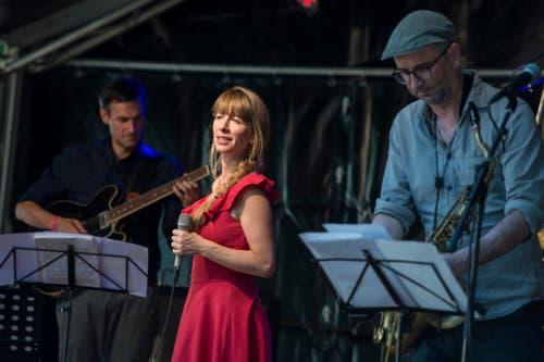 Sting Operation spielen auf dem Gerbiplatz. (Bild: Maria Schmid, 29. August 2019)