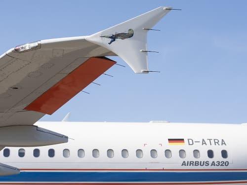 Das DLR-Forschungsflugzeug landet immer wieder auf dem Flughafen Zürich, um das Assistenzsystem für die Piloten zur Lärmminderung zu testen. (Bild: KEYSTONE/ENNIO LEANZA)