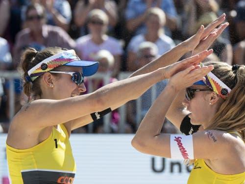 Nina Betschart und Tanja Hüberli befinden sich ebenfalls im Fahrplan für eine Olympia-Qualifikation (Bild: KEYSTONE/PETER SCHNEIDER)
