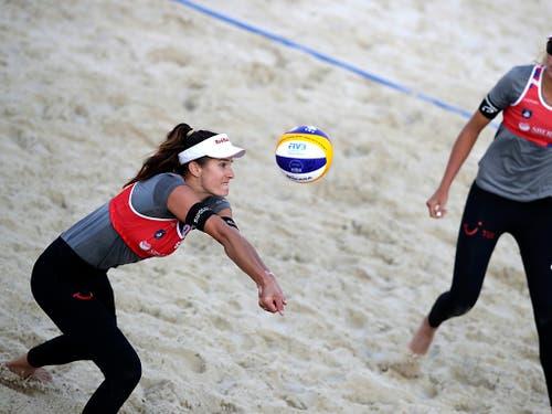 Joana Heidrich (links) und Anouk Vergé-Dépré (rechts) befinden sich auf Kurs für Olympia 2020 in Tokio (Bild: KEYSTONE/AP/ANDREI GOLOVANOV)