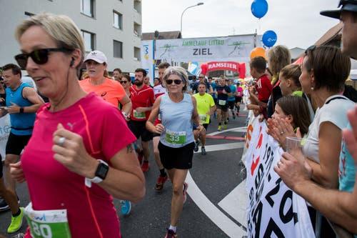 Yvonne Breitenstein aus Emmenbrücke (links) und Gioia Lüscher aus Stallikon biem Start. (Bild: Eveline Beerkircher, Littau, 14. September 2019)