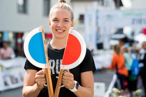 Géraldine Ruckstuhl gibt den Startschuss. (Bild: Eveline Beerkircher, Littau, 14. September 2019)