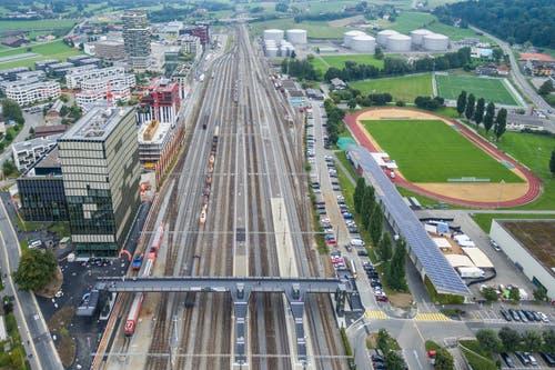 Die Überführung von oben. (Bild: Patrick Hürlimann, Rotkreuz, 14. September 2019)