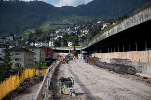 Die Baustelle zieht sich über zweieinhalb Kilometer hin. (Bild: Corinne Glanzmann, Hergiswil, 17. September 2019)