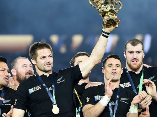 Vor vier Jahren in London triumphierte Neuseeland. Auch ohne den zurückgetretenen Captain und Rekord-Nationalspieler sind die «All Blacks» wieder die Topfavoriten (Bild: KEYSTONE/EPA/ANDY RAIN)