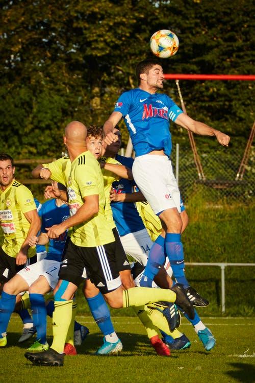 Hochdorfs Silvan Williner verteidigt erfolglos. (Bild: Jakob Ineichen, Gunzwil, 21. September 2019)