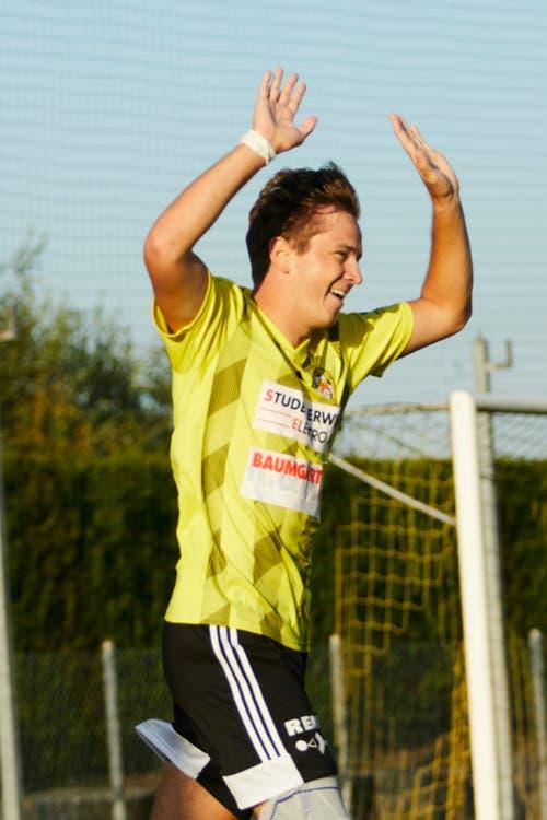 Gunzwils Till Fleischli lässt sich nach dem Treffer zum 1:0 feiern. (Bild: Jakob Ineichen, Gunzwil, 21. September 2019)
