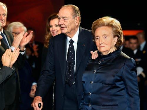 Jacques Chirac und seine Frau Bernadette im November 2013. (Bild: KEYSTONE/AP POOL Reuters/JACKY NAEGELEN)