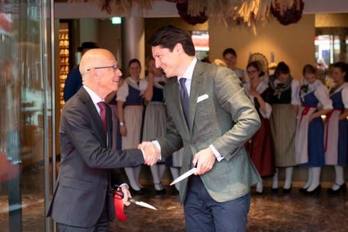 Geschafft! Das «Walhalla» ist eröffnet. Thomas Scheitlin und Reto Candrian freuen sich. (Bild: Urs Bucher)