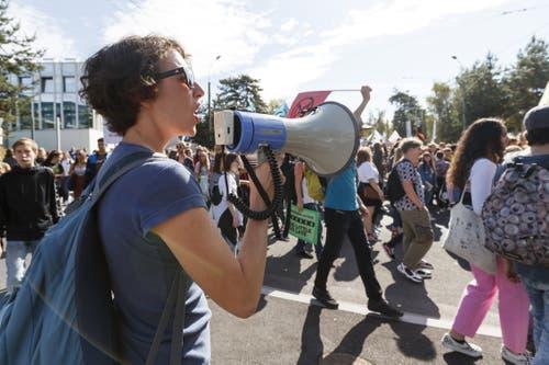 Die Demonstranten protestierten lauthals in Lausanne. (KEYSTONE/Cyril Zingaro, Lausanne)